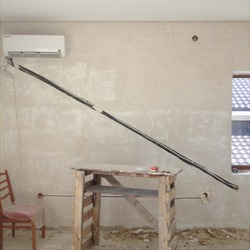 монтаж сплит-системы во время ремонта